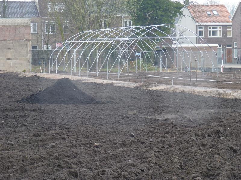 tunnelkas in aanbouw stadstuin energy garden piushaven